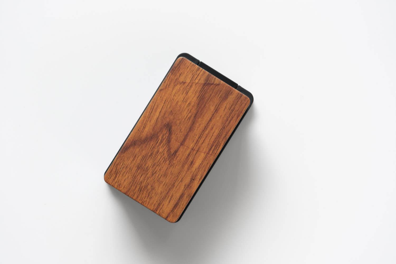 山崎実業 コンセントガード コンセントカバー ウッディ ブラックは木目も濃い目