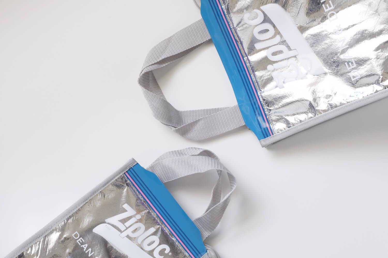 Ziploc × DEAN & DELUCA × BEAMS COUTUREトリプルコラボのクーラーバッグの持ち手比較(SとM)