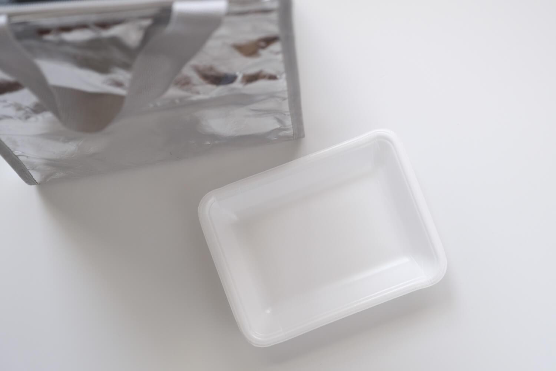 Ziploc × DEAN & DELUCA × BEAMS COUTUREトリプルコラボのクーラーバッグMサイズと食品トレー